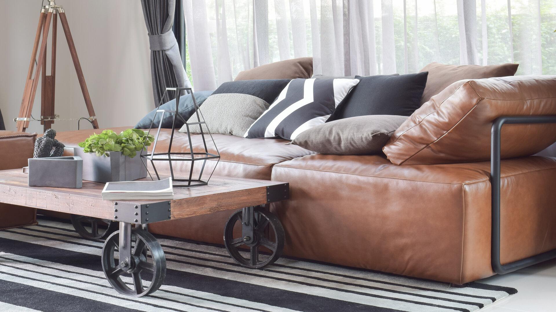 Tissu ou cuir pour ses canapés ?